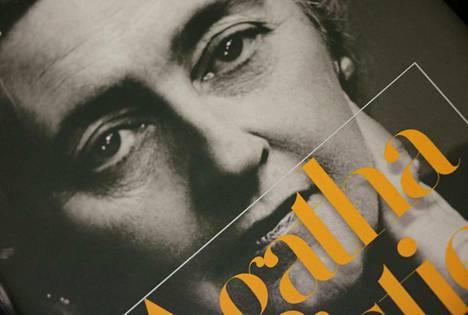 Dekkariviikolla voi tutustua vaikka dekkarikirjailijan elämään. Kuvassa näkyy Agatha Christien salaisista muistikirjoista kertovan teoksen kantta.