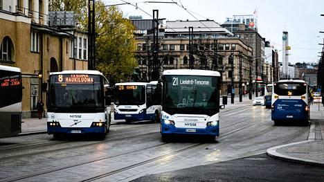 Lähimaksu tulee käyttöön koko Nysse-liikenteessä vielä toukokuun aikana. Ensin kokeillaan.