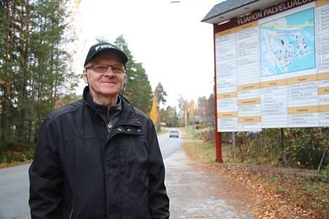 Yrittäjä Leo Houhala haluaa tuoda esiin Yliahon teollisuusalueen yrittäjien yhteisen huolen alueen toimimattomista valvontakameroista.