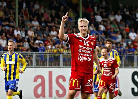 Jussi Aalto teki kauden kymmenennen maalinsa rankkarista.