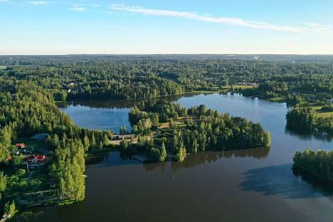 Nokialle rakentuva uusi Viinikanniemen asuinalue muodostuu saarimaisesta alueesta sekä sitä vastapäätä sijaitsevasta ranta-alueesta.