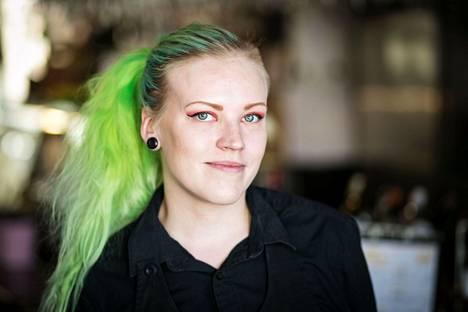 Kirsi Seppänen on voittanut myös Vuoden Nuori Sommelier -kilpailut kolme vuotta sitten. Aamulehti kuvasi Seppäsen toukokuussa 2018.