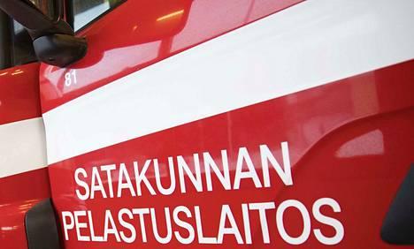Satakunnan pelastuslaitos palokunta tulipalo paloauto Pomarkku VPK