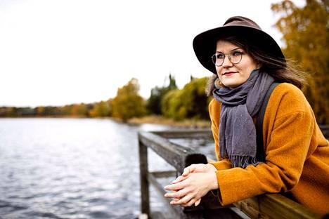 Tallinnasta Teheraniin liftannut Emma Vepsä kirjoitti matkastaan kirjan.