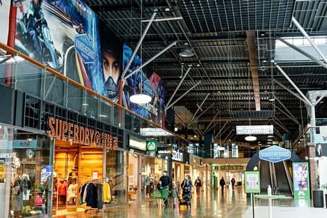 Viihdekeskus sijaitsee Ideaparkin toisessa kerroksessa Keskusaukion kohdalla.