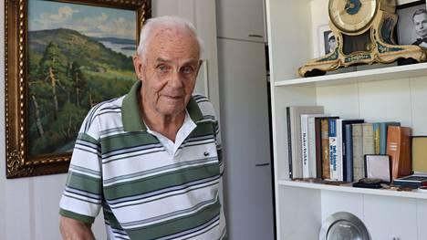 Antero Kekkonen kuvattiin kotonaan Valkeakoskella lähellä 95-vuotissyntymäpäiväänsä vuonna 2018.