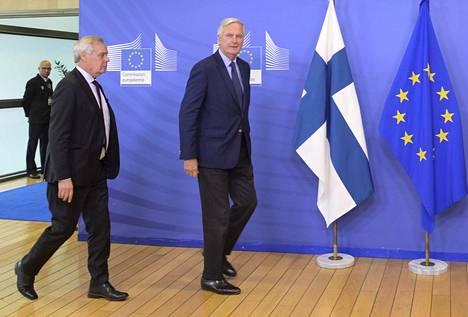 Pääministeri Antti Rinne ja EU:n brexit-neuvottelija Michael Barnier tapasivat Brysselissä syyskuun lopussa. He puhuivat maanantaina puhelimessa brexit-neuvotteluiden jatkamisesta.