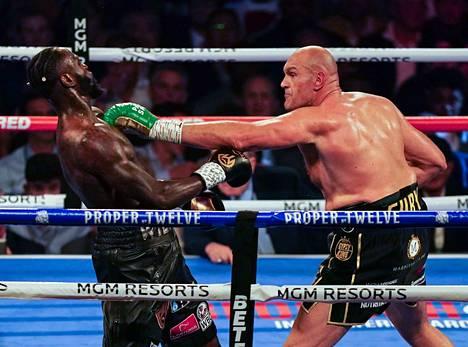 Ottelu oli Furyn näytöstä.