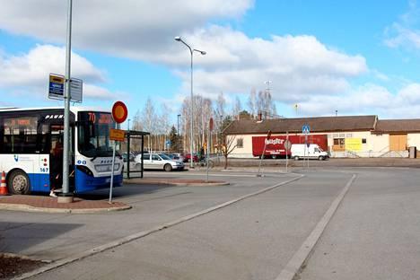 Maskipakko vaihtuu suositukseen Nyssen linja-autoissa.