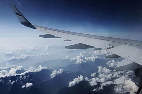 Manner-Kiinan lennot on peruttu maaliskuun loppuun asti.