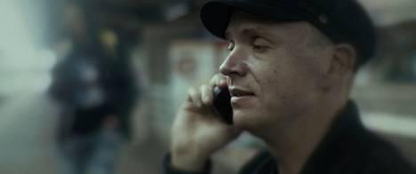 Petri Poikolainen esittää pääosaa elokuvassa Sokea mies joka ei halunnut nähdä Titanicia.
