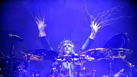 Metalliyhtye Slipknotin perustajajäseniin kuulunut Joey Jordison on kuollut, kertovat mediat. Kuva marraskuulta 2008, kun Slipknot esiintyi Helsingissä.