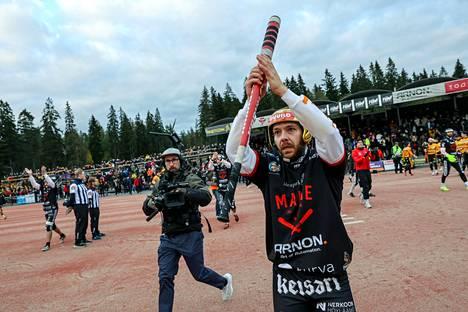 Manse PP:n supervuoroparin vapahtaja Juha Puhtimäki kiitti KPL-kamppailun päätyttyä Kaupin kotiyleisöä raivokkaista suosionosoituksista.
