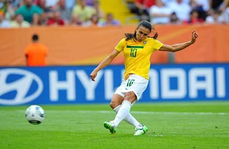 Brasilialainen Marta on kaikkien aikojen maalitykki MM-kisoissa.