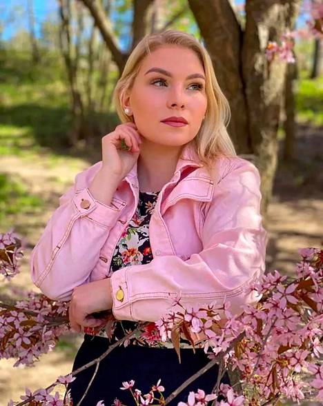 Kotkalainen Meiju Järvimäki kruunattiin Miss Nokiaksi heinäkuussa 2020.