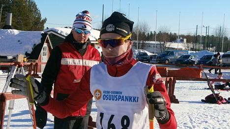 Kisailijoiden Onni Mäkelä päätti hiihtokauden nuorten SM-hiihtoihin. Arkistokuva.