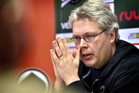 Urheilujohtaja Mika Toivola (kuvassa) ja päävalmentaja Antti Pennanen tekevät Hämeenlinnassa tiivistä yhteistyötä.