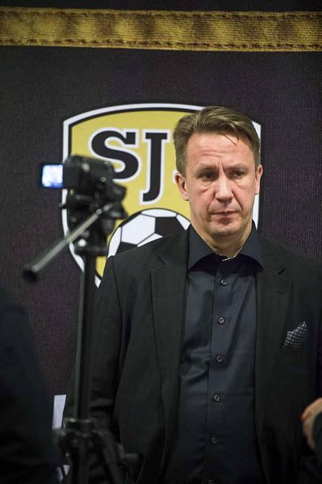 SJK:n pääomistaja Raimo Sarajärvi.