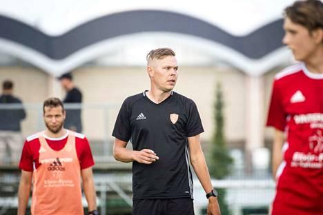 FC Jazzin uusi valmentaja Miro Varhelahti.
