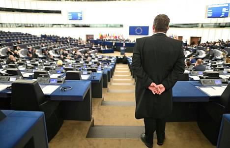 Eurovaaleissa on kyse siitä, minkälaisten arvojen ja ajatusten pohjalta muun muassa torjutaan ilmastonmuutosta, ratkotaan maahanmuuttokysymyksiä ja luodaan talouskasvua sekä turvallisuutta. Arkistokuva EU:n parlamentista.