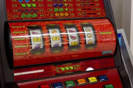 Uusi Veikkaus aloitti vuonna 2017, kun vanha Veikkaus, RAY ja Fintoto yhdistyivät. Veikkaukselle siirtyneet peliautomaatit toivat viime vuonna noin 570 miljoonan euron voiton, mutta myös mittavat mainehaitat.