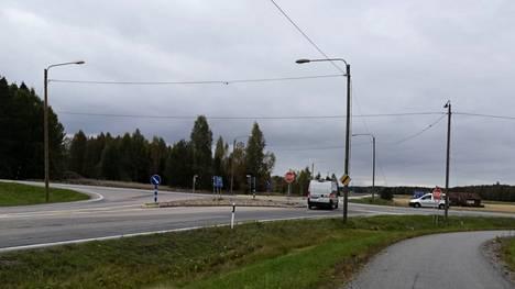 Kiikoisten liittymä Porintiellä on onnettomuusaltis. Ely-keskus on aloittanut esiselvityksen risteysalueen liikenneturvallisuuden parantamiseksi.