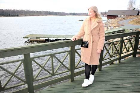 Tulisipa kesä pian, pääsisi vesijetillä päin merituulia ja poikkeustila olisi ohi. Lauluopintoja Elli-Noora Rintamäki suorittaa nyt etänä Kankaanpään musiikkiopistossa Maria Pirttikankaan johdolla.