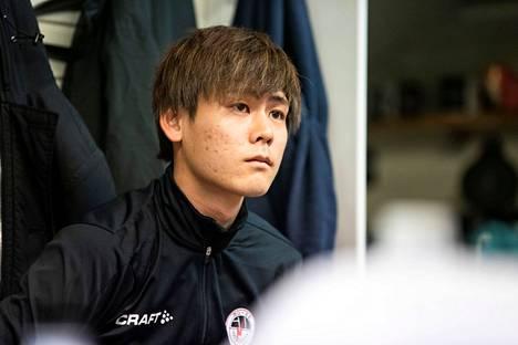 Yutaka Abe kuvattuna MuSan pukukopissa toukokuun alussa.