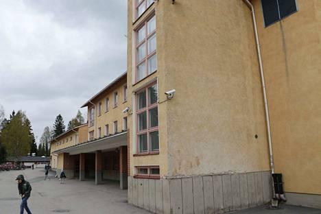 Lempäälän Sääksjärven yhtenäiskoulun päärakennuksen vanhimmat osat peruskorjataan pääosin vuoden 2021 aikana.