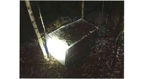 Ranta-aho auttoi poliisia tutkinnassa ja osoitti metsässä jääkaapin alla olleen huumekätkön. Se osaltaan lievensi Ranta-ahon tuomiota.