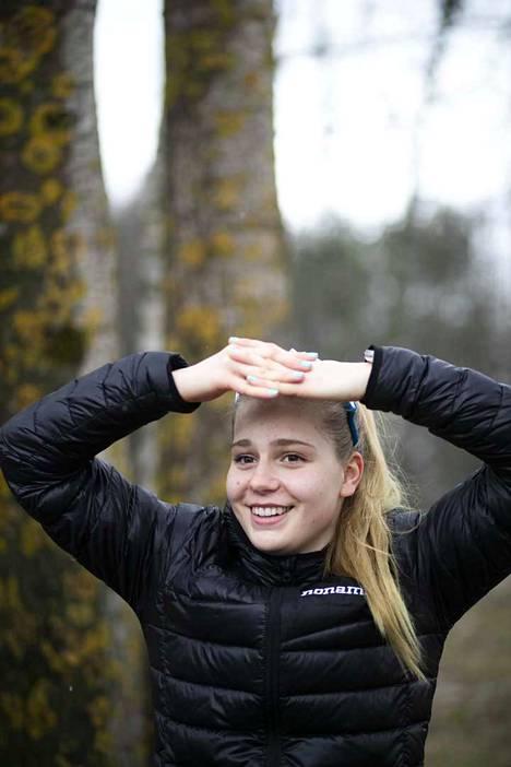 Ida Hulkon valmentaja on Jere Jännes.