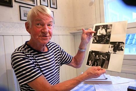 Vaikea rooli menneiltä vuosikymmeniltä. Jarmo Koski esittelee vanhaa kuvaa, jossa hän näyttelee pääosaa Hugo Raudseppin näytelmässä Vetelys. Se oli koettelemus toiminnan miehelle.