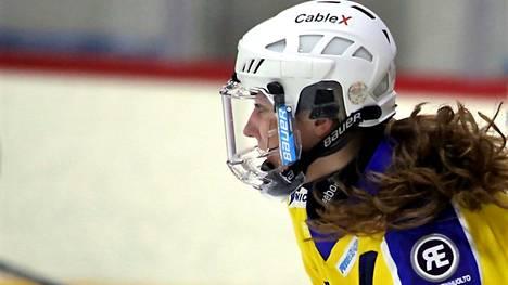 RNK Flyersin Susanna Tapani teki Ilvestä vastaan käydyssä ottelussa viisi maalia.