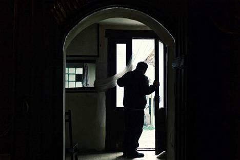 Poliisin Satakunnassa hoitamien kotihälytystehtävien määrä räjähti hurjaan kasvuun maalis- ja huhtikuussa, kertoo SK:n selvitys. Kuvituskuva.
