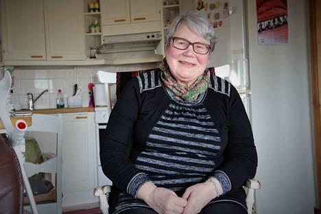 Eeva Mäkikalli sai Suomen Kotiseutuliiton kultaisen ansiomerkin tunnustuksena pitkäaikaisista ansioistaan kotiseututyössä. Mäkikalli on perinneyhdistys Kiukaisten killan puheenjohtaja.