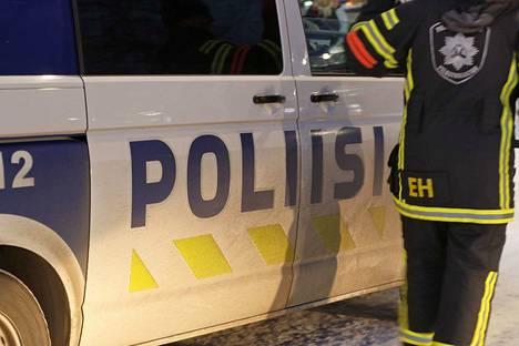 Lounais-Suomen poliisia ja pelastuslaitosta työllisti lauantai-iltana nuorison sytyttämät palot, joista olisi voinut seurata vakavia vahinkoja. Kuvituskuva.