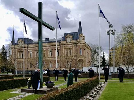 Yhteisseppeleeseen osallistui useita eri yhteisöjä. Kunniaosastossa seisoivat Satakunnan Rauhanturvaajat.