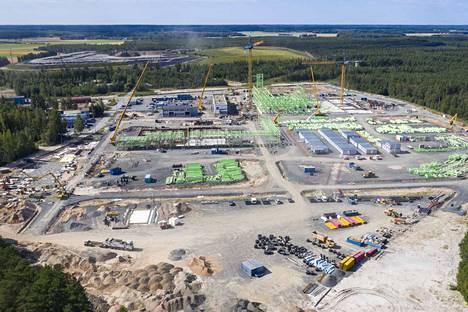 BASF Battery Materials Finland Oy:n akkukemikaalitehdas nousee kovaa vauhtia Harjavaltaan.