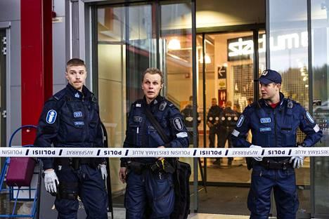Poliisi sulki Hermanin kauppakeskuksen kahdeksi päiväksi laajan paikkatutkinnan takia.