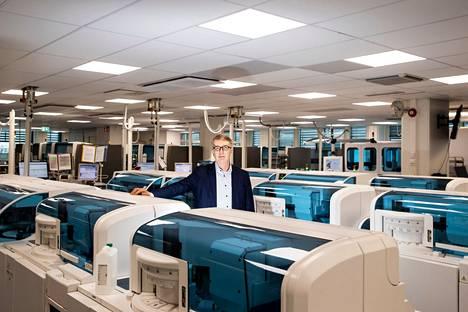 Fimlabin toimitusjohtaja Ari Miettinen toteaa, että laboratoriopalveluja on kehitetty Suomessa jo parikymmentä vuotta sairaanhoitopiirien yhteistyönä. –Fimlabilla on kattava näytteenotto- ja laboratorioverkosto viiden sairaanhoitopiirin alueella.