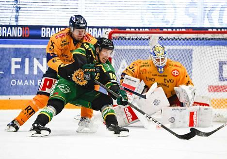 Eemeli Suomi näytti esimerkkiä Ilvekselle, mutta joukkue taipui Lukolle.