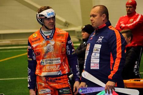 KaMan Arttu Ruuskalla ja pelinjohtaja Jukka Karttusella oli aihetta tyytyväisyyteen.