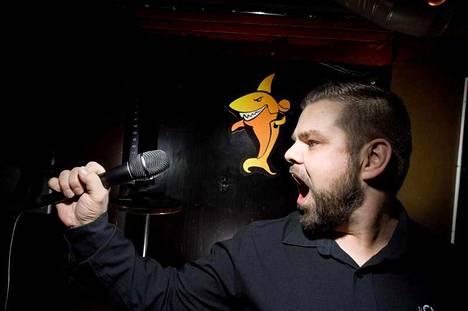 Moron karaokeiltaa ravintola Tiikerihaissa isännöi Teemu Yli-Pukka. Suora lähetys alkaa perjantaina kello 19.