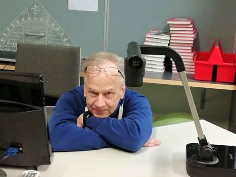 Koulukuraattori Reijo Ahonen muistuttaa, että tässäkin tilanteessa pitää muistaa arjen rytmi. –Vähän voi venyttää nukkumaanmenoa ja heräämistä, mutta täysin häränpyllyä rytmi ei saa heittää.