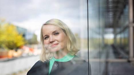 Ilta-Sanomien vastaavan päätoimittajan Johanna Lahden mukaan lehden päätehtävä on näyttää maailmaa sellaisena kuin se on.