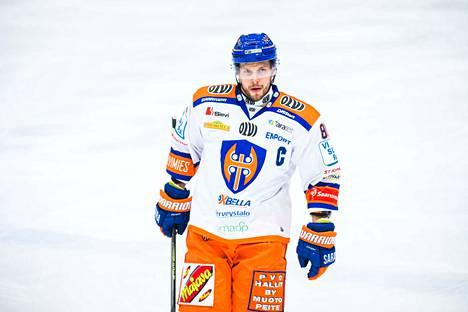 Tappara-kapteeni Jukka Peltola valittiin Helsingin turnaukseen mukaan.