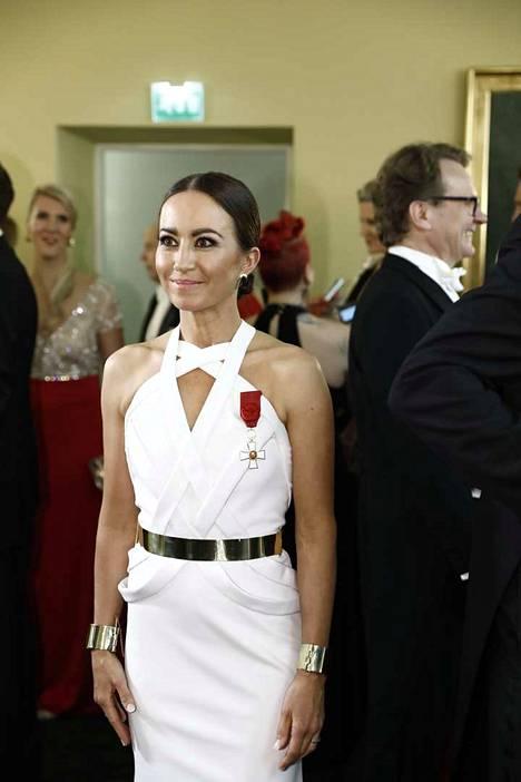 Jaana Pelkosen puku oli jälleen tyylikkään yksinkertainen.