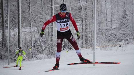 M20-sarjalainen Kisailijoiden Eemil Helander oli sunnuntaina Laajavuoressa yleisen sarjan nopein.