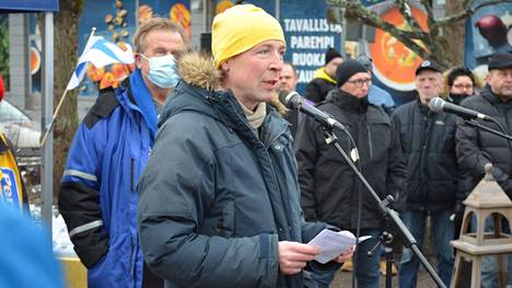 Jussi Halla-aho piti lauantaiaamupäivällä Vammalan torilla puheen, jossa hän painotti kuntavaalien tärkeyttä.