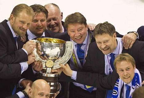 Petri Matikainen, Pasi Nurminen, Jari Kurri ja Jukka Jalonen pääsivät juhlimaan Leijonien maailmanmestaruutta Slovakiassa 2011.